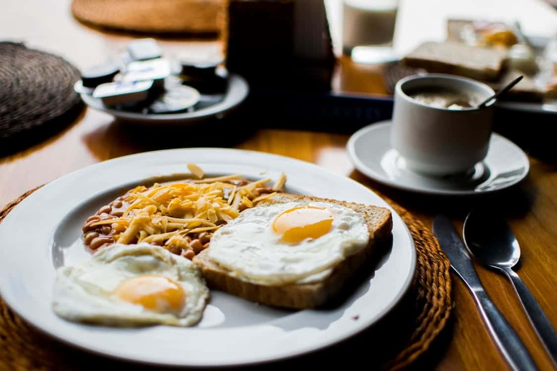 The Pros and Cons of Bed and Breakfast