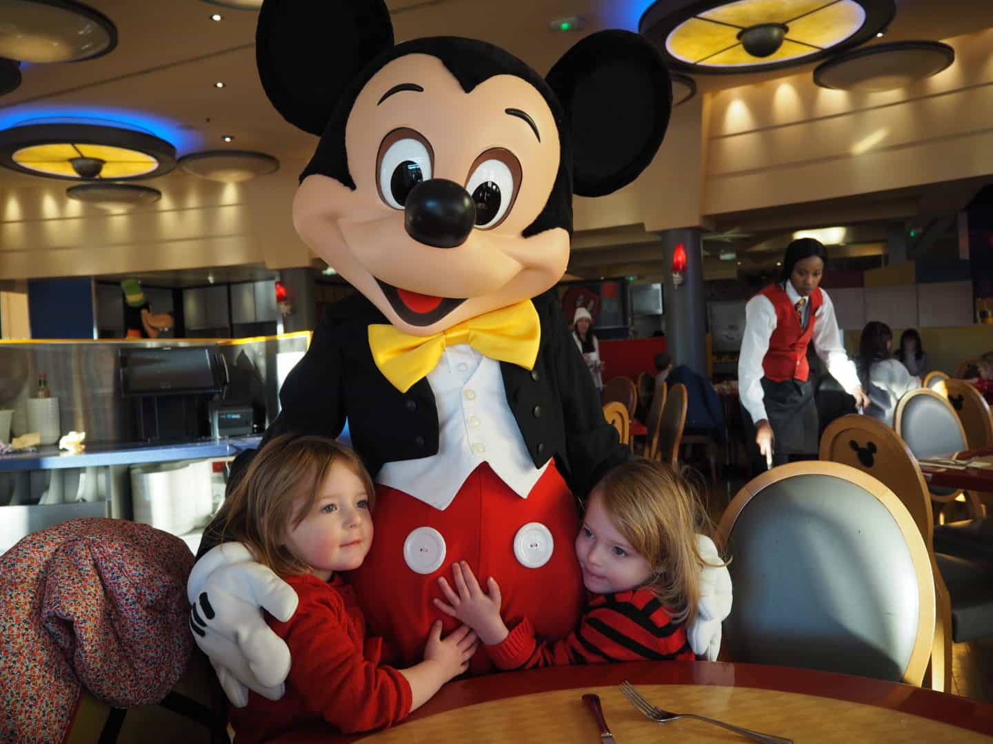 Quick Tips For Taking Your Kids (and yourself) to Disneyland