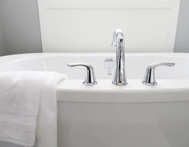 How to Make Bath Time Bearable