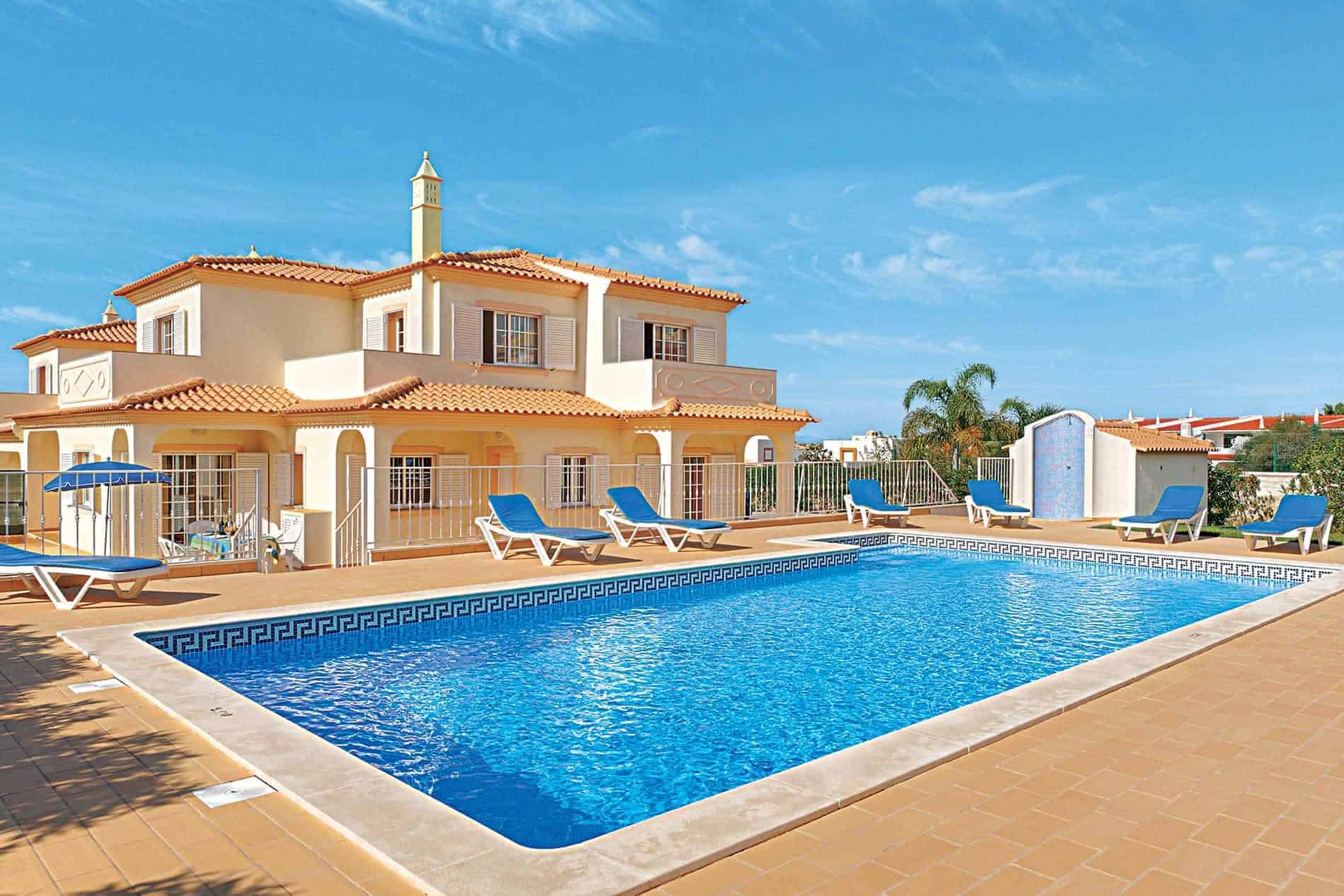 Is a Villa Holiday Best for a Family  Twinderelmo